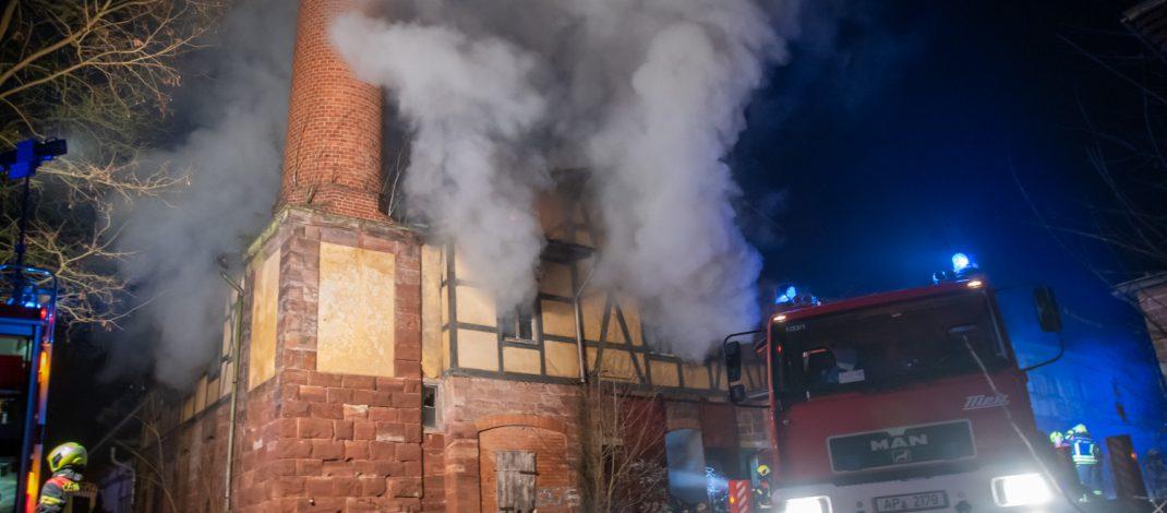 Feuer in alter Sophienheilstätte bei Bad Berka beschäftigt Wehren