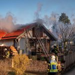 Gasflasche bei Brand in Martinroda hochgegangen - Bewohner verletzt