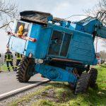 Oldtimer-Bagger rutscht bei Weimar in Graben und drohte umzustürzen