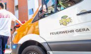 Auto mit Motorrad in Gera kollidiert: Mann wird schwer verletzt – Zeugen gesucht