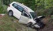 Taxi kommt im nördlichen Weimarer Land von Straße ab – Mann lebensbedrohlich verletzt