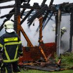 War es ein Blitzeinschlag? Gartenhaus brennt in Weimar komplett nieder