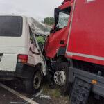 Rettungshubschrauber bringt Schwerverletzte nach Unfall nahe Gehren ins Krankenhaus