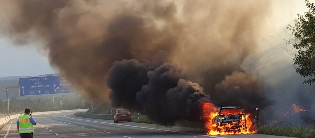 Fahrzeugbrände auf Thüringer Autobahnen führen zu Verkehrsbehinderungen