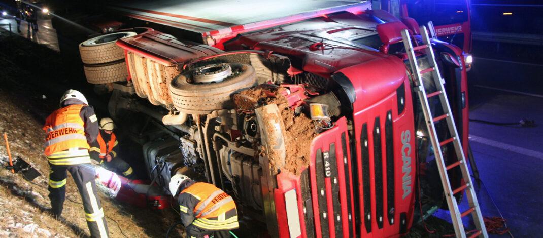 Laster auf der A38 bei Heiligenstadt umgekippt – Insassen unverletzt