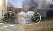 Fahrzeugbrand ruft Polizei und Feuerwehr in Schleiz auf den Plan