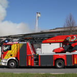 Feuer in Agrarbetrieb Breitenworbis: Starke Rauchentwicklung aufgrund brennender Reifen