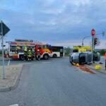 Schwerer Unfall an Kreuzung in Pößneck: Auto landet auf der Seite