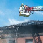 Gebäudebrand in Mellingen: Schwarze Rauchsäule war weithin sichtbar