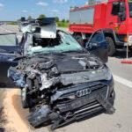 Audi kracht auf A4 bei Ronneburg unter Laster - Mann schwer verletzt