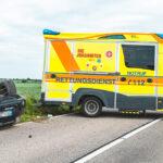 Zwei Schwerverletzte bei Unfall nach Reifenplatzer im Altenburger Land
