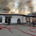 Geschäftshaus in Greiz nach Brand zerstört: Wer kann Hinweise geben?