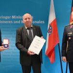 Silbernes Brandschutzehrenzeichen für langjährigen Referatsleiter Rüdiger Kösel