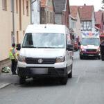 Fußgängerin bei Greußen von Paketdienst überrollt: Eingeklemmt und tödlich verletzt