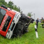 Schwerer Unfall auf der A4 zwischen Magdala und Jena: Feuerwehr kippt auf Anfahrt um