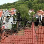 Mehrstündiger Feuerwehreinsatz in Heiligenstadt: Dachstuhl durch Flammen zerstört