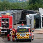 Laster auf Gelände einer Biogasanlage in Nohra umgekippt - Fahrer eingeschlossen