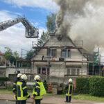 Großeinsatz der Wehren um Leinefelde: Dachstuhl stand in Flammen