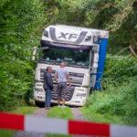 Navi vertraut? Laster lenkt in Bad Blankenburg auf Radweg und fährt sich fest