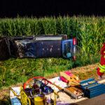 Leichenwagen landet bei Erfurt im Maisfeld: Feuerwehr muss betrunkene Fahrerin befreien