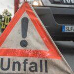 Auto landet bei Rudolstadt auf dem Dach: Unfall geht weitestgehend glimpflich aus