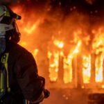 Halle mit Elektroschrott brannte in Erfurt lichterloh - Anwohner unsanft geweckt