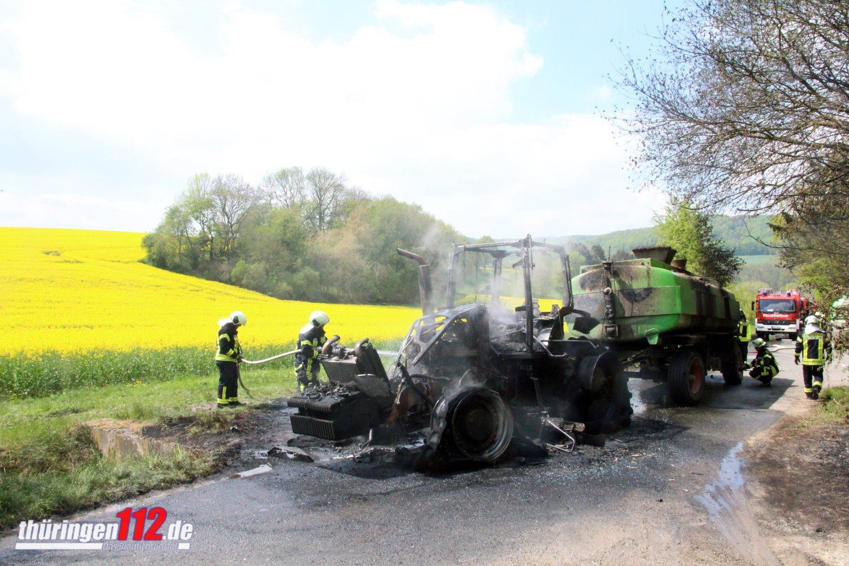 19-05-02 Traktor-Brand Uder 001